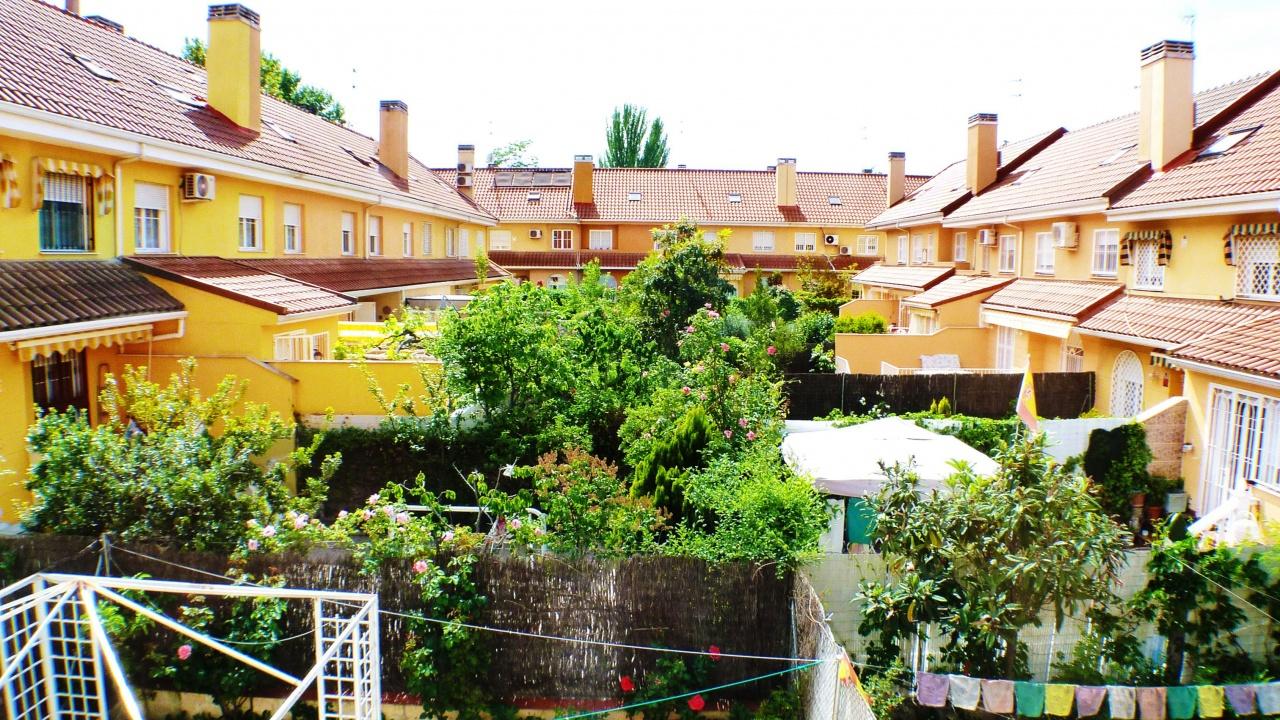 Chalet en venta en barrio Salvador, Madrid
